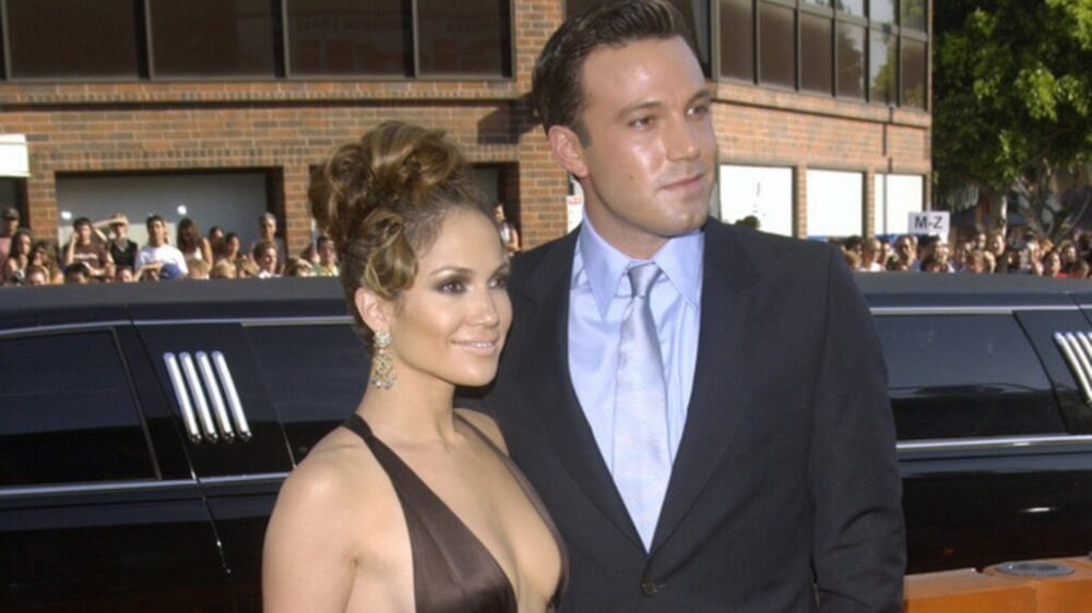 Jennifer Lopez and Ben Affleck might be getting back together. They were seen on a romantic vacation together!