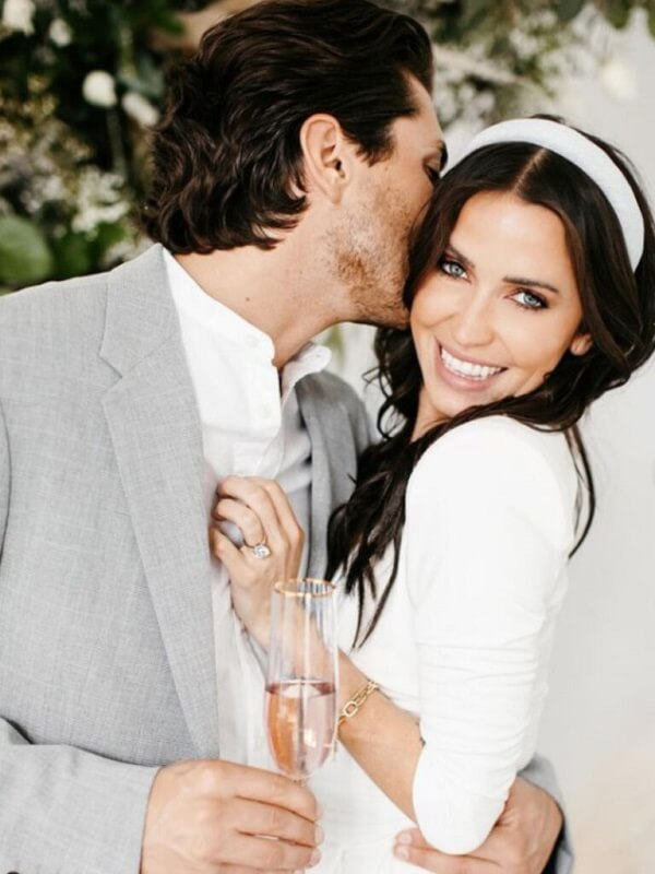 Kaitlyn Bristowe is engaged! Jason Tartick has officially proposed.