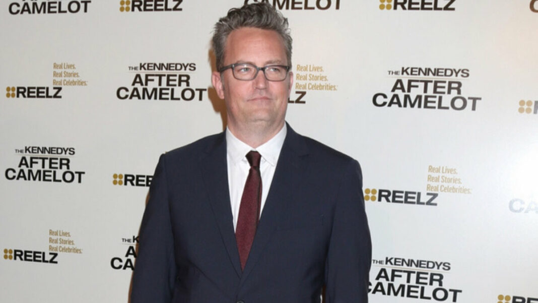 Matthew Perry Dazed During 'Friends' Cast Interview. What's going on?