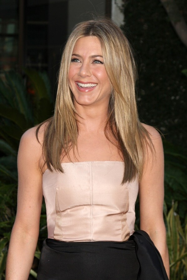 """No plastic surgery here! Jennifer Aniston looking fresh-faced at """"The Switch"""" premiere in August 2010."""