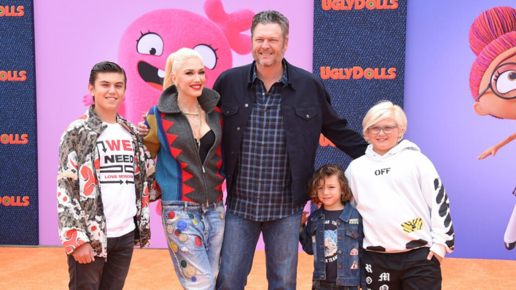 Blake pose with Gwen and her children at a premiere in Los Angeles, California. Listed from left to right: Kingston, Apollo, and Zuma Rossdale.