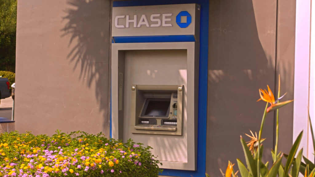 Julia Yonkowski thought she became a billionaire after a Chase ATM displayed nearly $1 billion in her bank account.