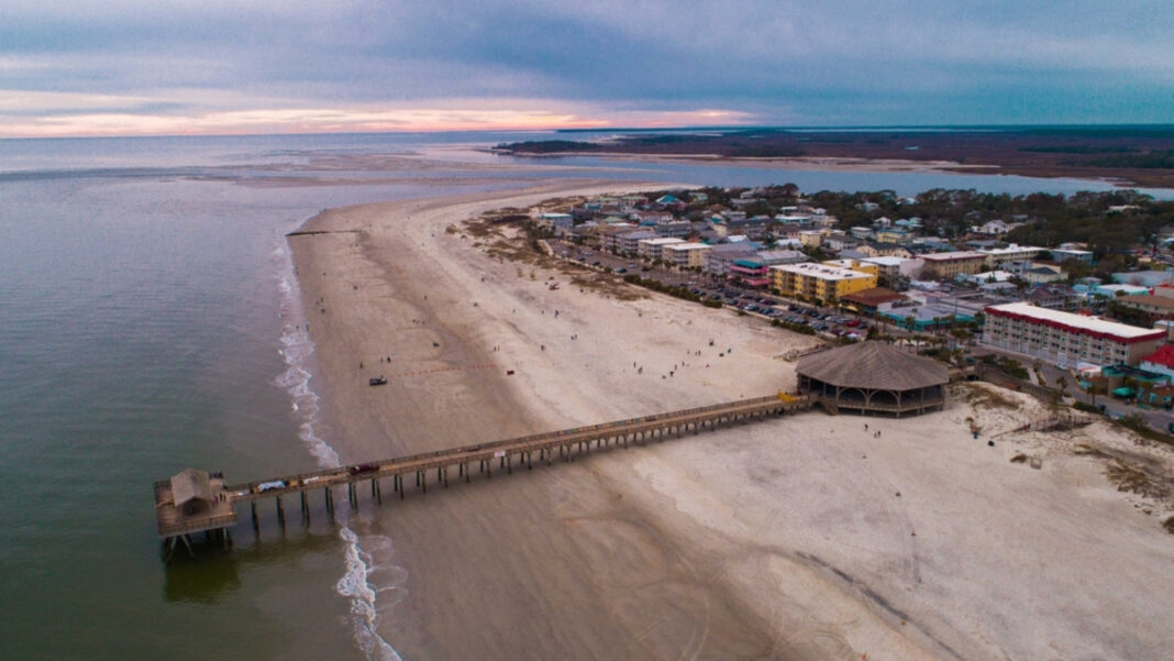 Tragedy on the beach. 15-Year-Old Tybee Island Swimmer Died After A Lightning Strike.