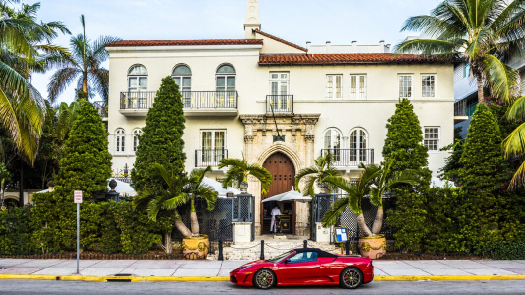 2 Dead At Versace Mansion: Housekeeper Finds Bodies In Villa Casa Casuarina Hotel
