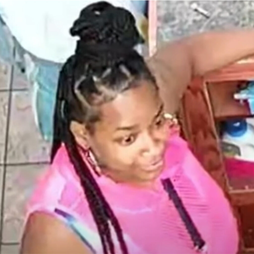 Police are searching for two women in connection with a laundromat assault. Surveillance video shows the women beating a 69-year-old man with a vase before fleeing.