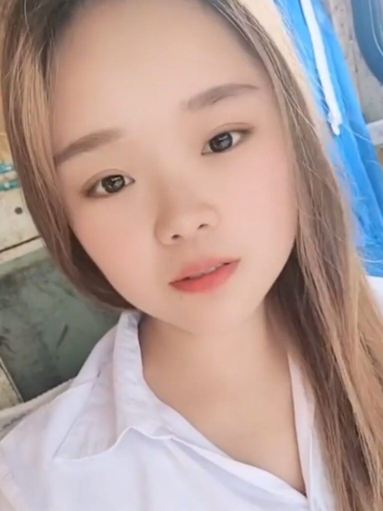 Xiao Qiumei plummeted 160 feet to her death on Tuesday while descending from a massive crane. The social media influencer, who goes by Xiaoqiumei was famous for her job as a crane operator.