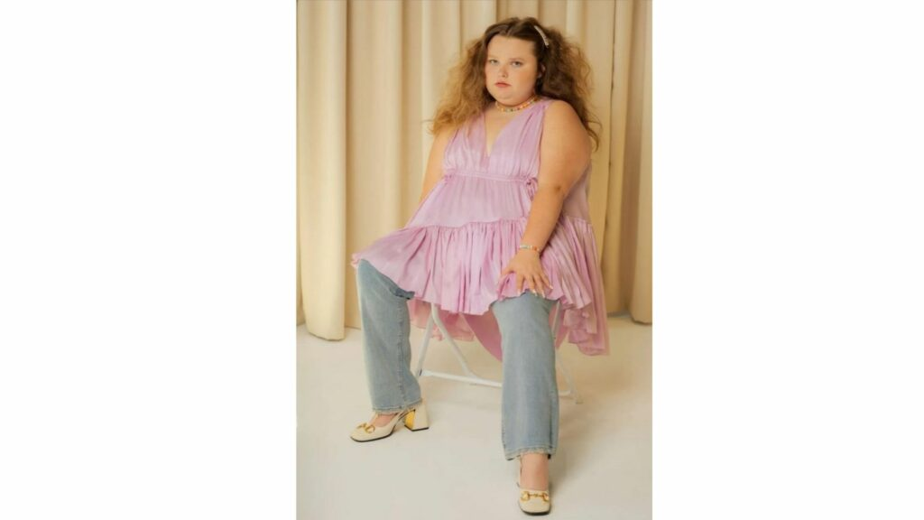 Alana Thompson, better remembered as Honey Boo Boo from TLC's Toddlers and Tiaras, is all grown up and ready to show us a new side of her. The teenager is trying to mover past her pageant days and wanted everyone to know that she's completely happy being herself.