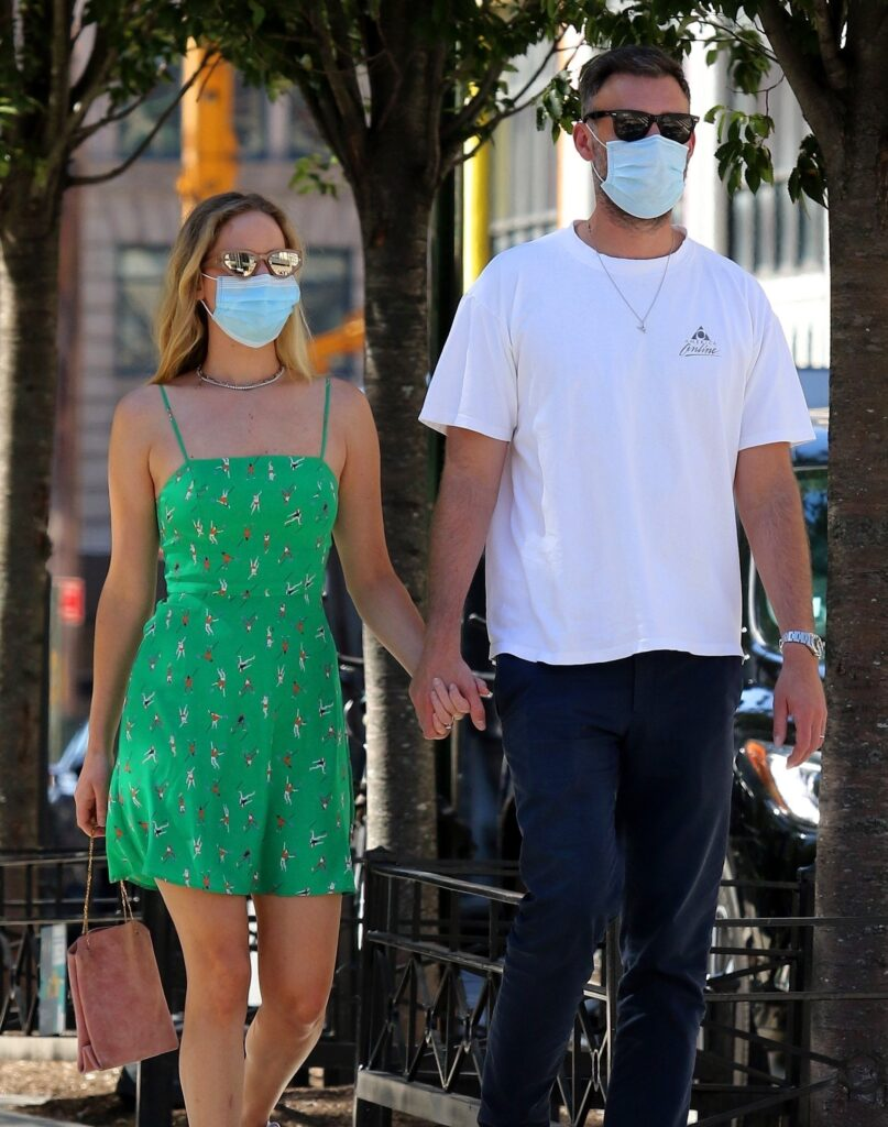 Jennifer Lawrence and husband Cooke Maroney step out for lunch in NYC