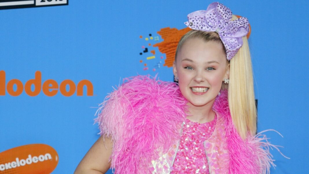JoJo Siwa Claims Nickelodeon Won't Let Her Perform Her New Songs and Treats Her Like a Brand